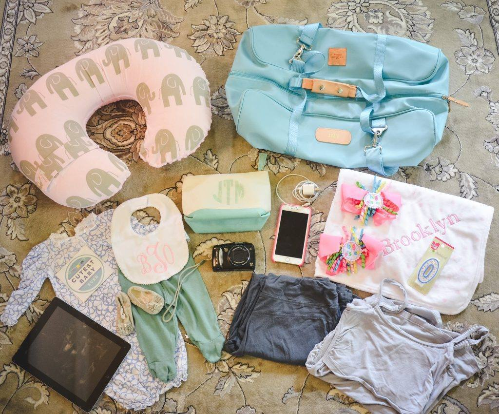 What's in my Purse: The Hospital Edition | Baby Chick
