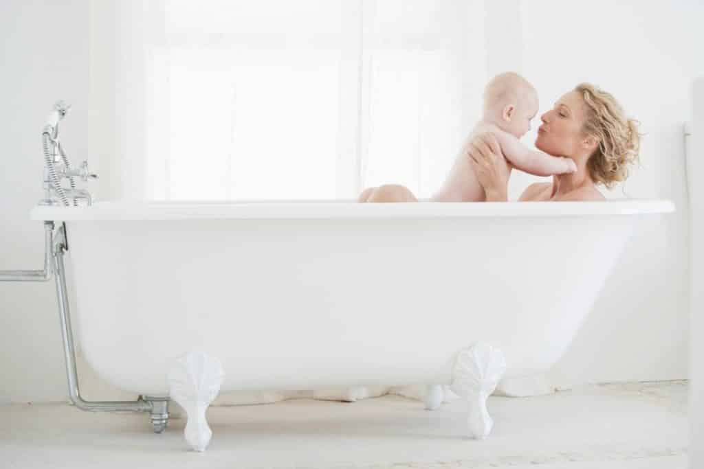 Why I Love Family Bath Time (And You Should, Too!) | Baby Chick