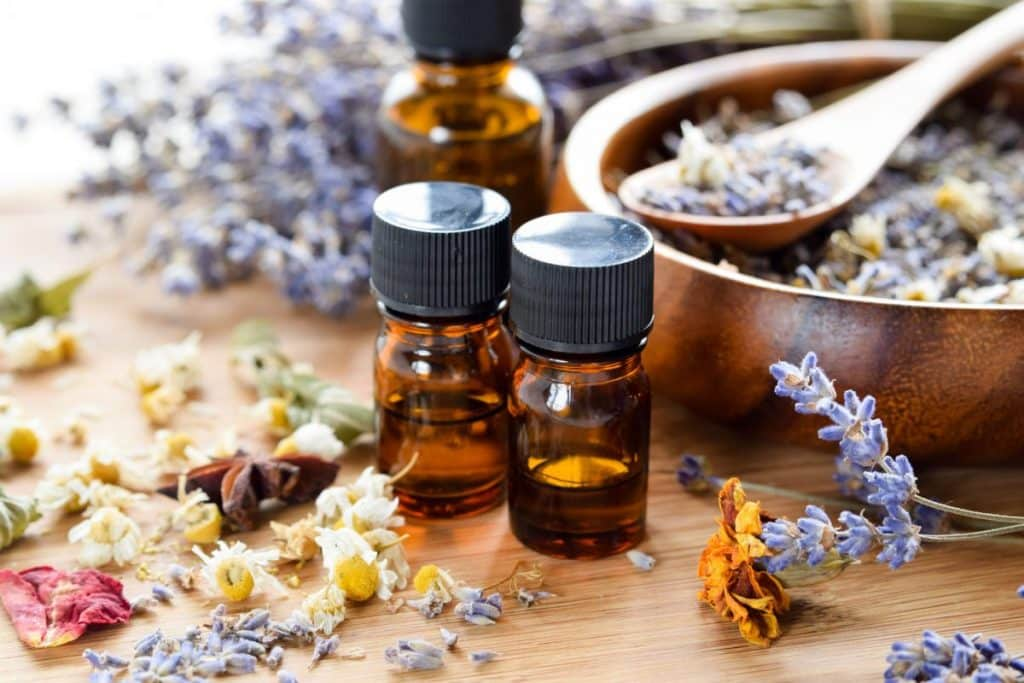 What Every Mom Should Know About Essential Oils | Baby Chick