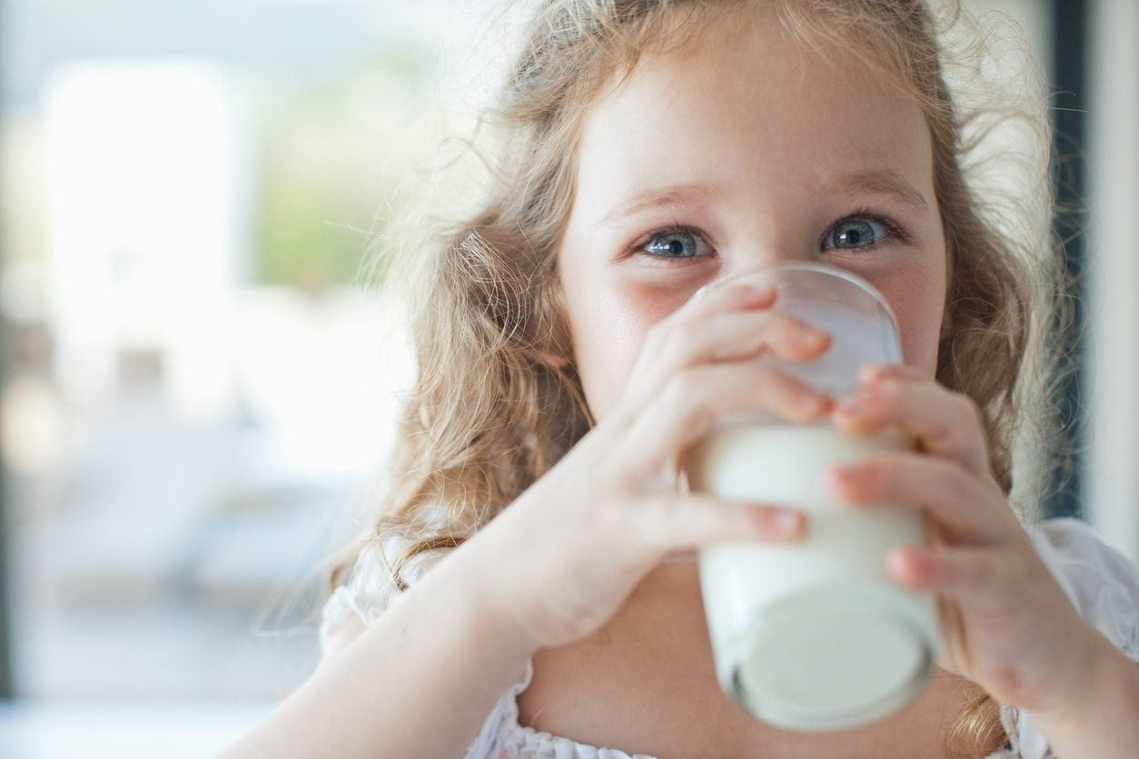 Cow's Milk or Goat's Milk: What's Better for my Toddler? | Baby Chick