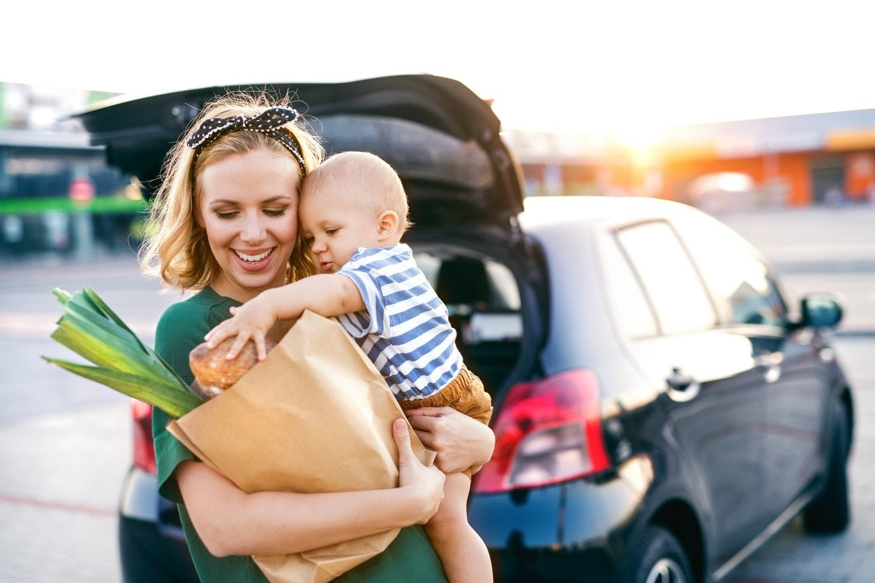 5 Signs You Might Be A Crispy (And Not Quite a Crunchy) Mom