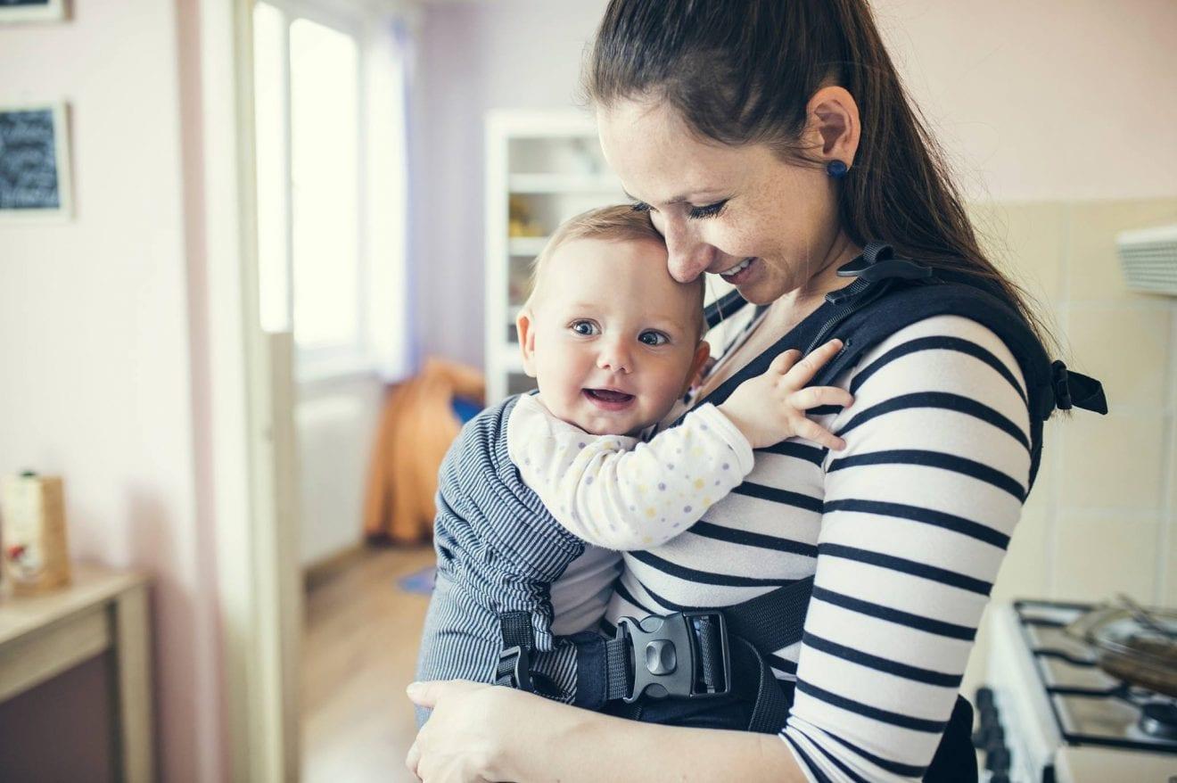 12 Benefits of Babywearing