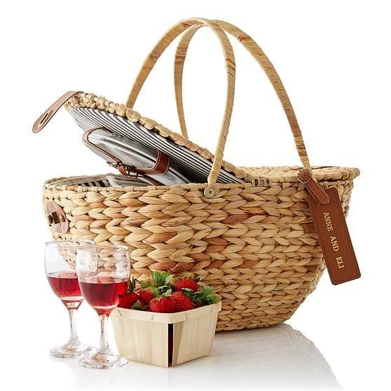 Al fresco picnic basket