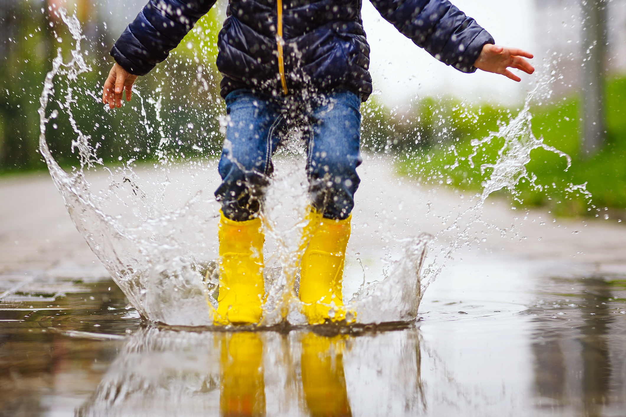 How to Play With Your Kids Outside on a Rainy Day