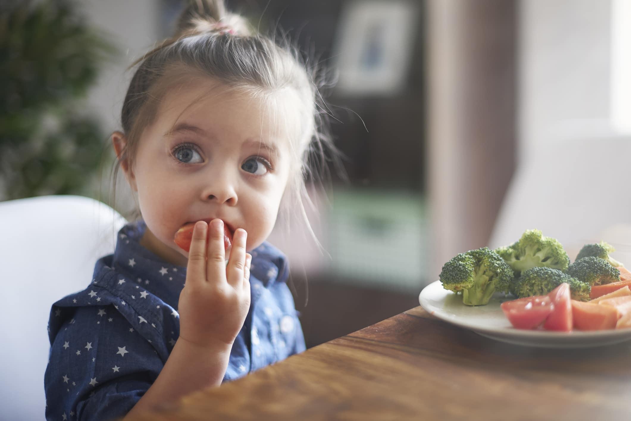 Çocuğun sebze yemesi onları daha sağlıklı kılar